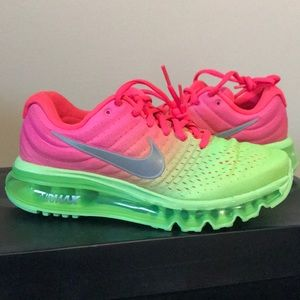 Big kids air max 2017 pink green 5.5Y ladies 7 NEW